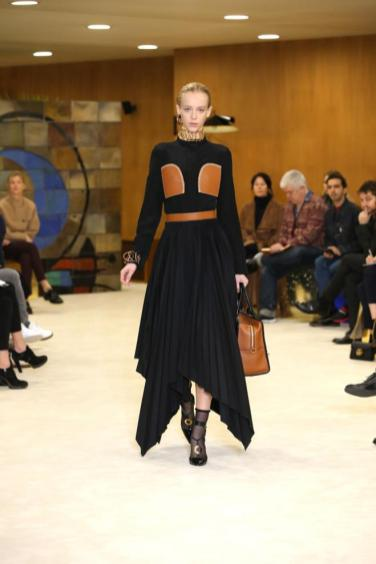 Givenchy - A/H 16