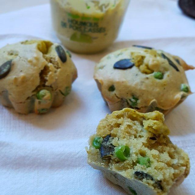 Muffins salés au houmous et petits pois