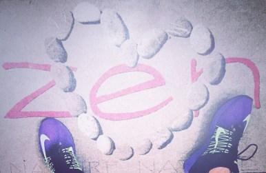 Chassure de course Nike sur tapis zen