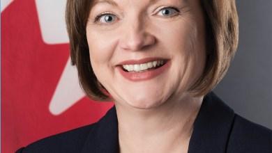 Photo of Roxane Dubé, nouvelle consule générale du Canada en Floride