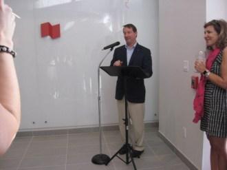 Louis Vachon, président de la Banque Nationale, était venu du Canada.