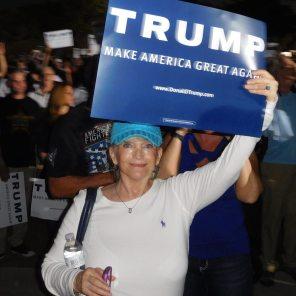 Supportrice de Donald Trump à la réunion publique de Donald Trump à Boca Raton Floride