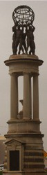 statues-globe