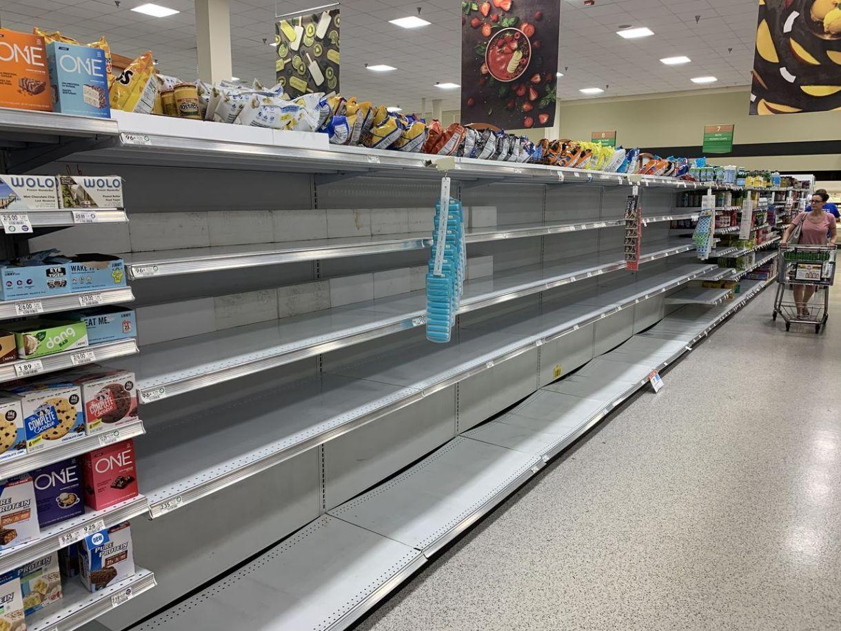 Pénurie d'eau dans un supermarché de Floride