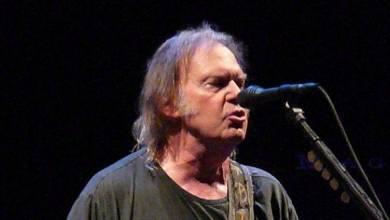 Photo of Neil Young publie son ode à la Terre