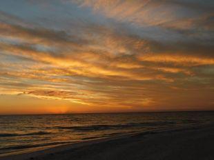 Coucher de soleil sur la plage de Tigertail Beach à Marco Island en Floride