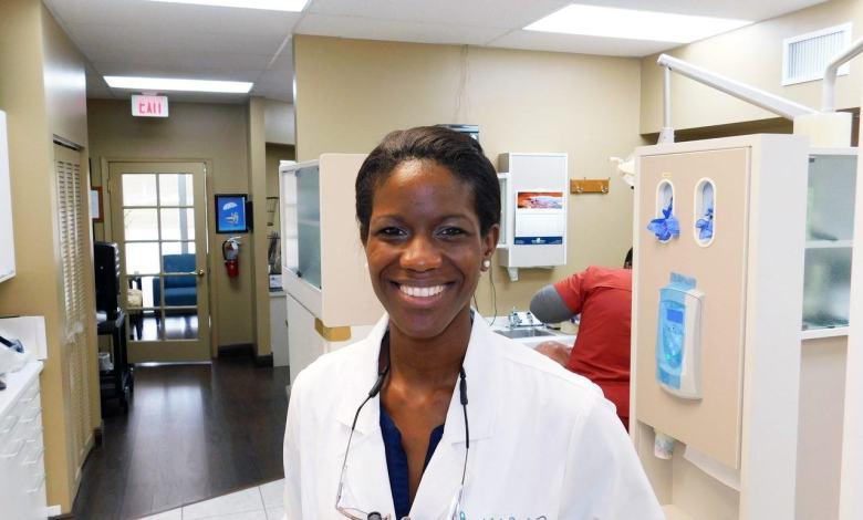 Dr Shana François, Dentiste à Pompano Beach en Floride
