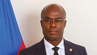 Photo of Mot d'accueil du consul d'Haïti, Gandy Thomas, aux nouveaux arrivants en Floride