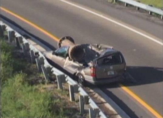 Un tuyau de 3 tonnes tombe sur la voiture de Jesus à Orlando