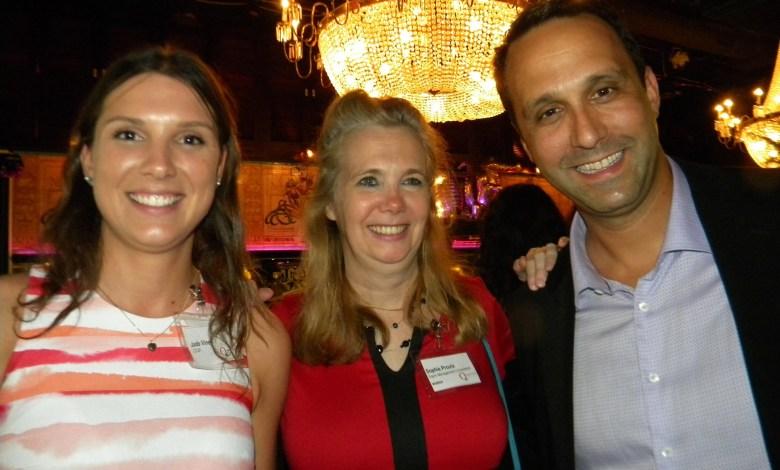 Jade Vinet, Sophie Proulx et Glenn Cooper, de la CCQF
