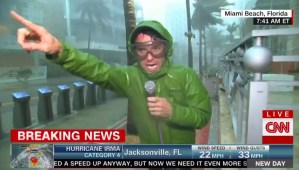 Journaliste de CNN durant l'ouragan Irma, à Miami Beach