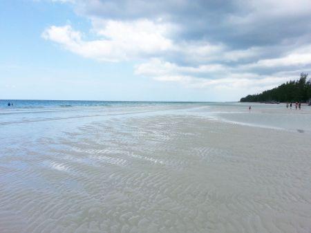 Bahamas Grand Bahama Gold Rock Beach