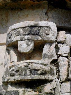 Chichen-Itza-Pyramide-Maya-Yucatan-Mexique-9980