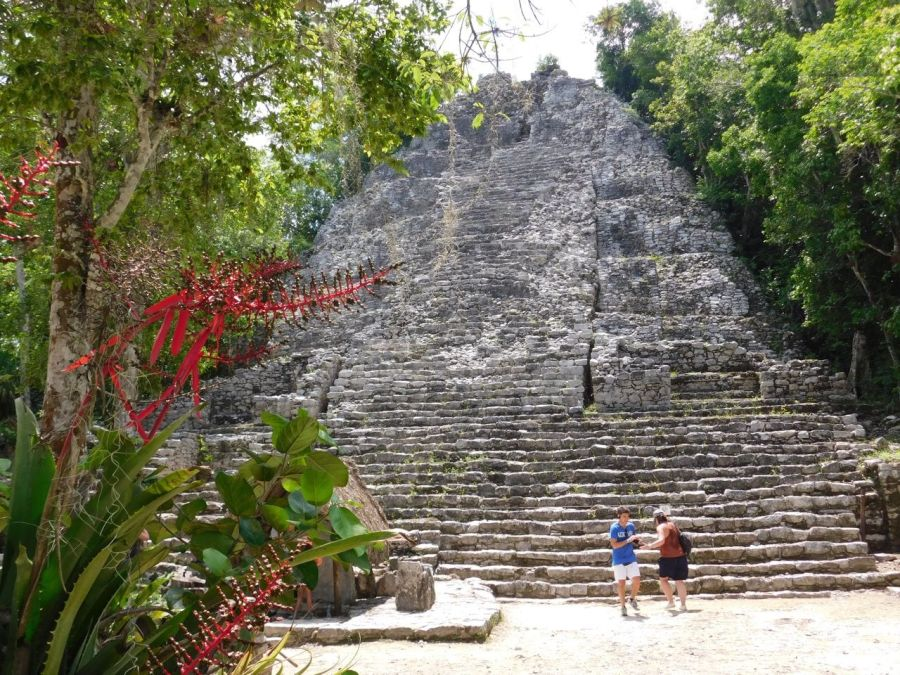 Pyramide 'La Iglesia', dans les ruines de la cité maya de Cobá au Mexique.