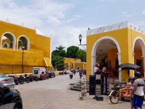 Centre ville de Izamal au Yucatan (Mexique)