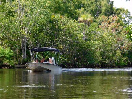 Bateau sur la Loxahatchee River (Floride)
