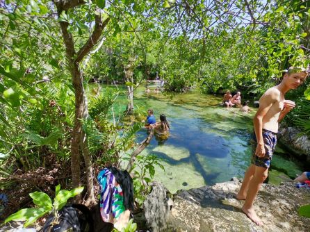 La cenote Azul à Playa del Carmen au Mexique