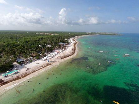 La plage de Xpu-Ha, à Playa del Carmen au Mexique