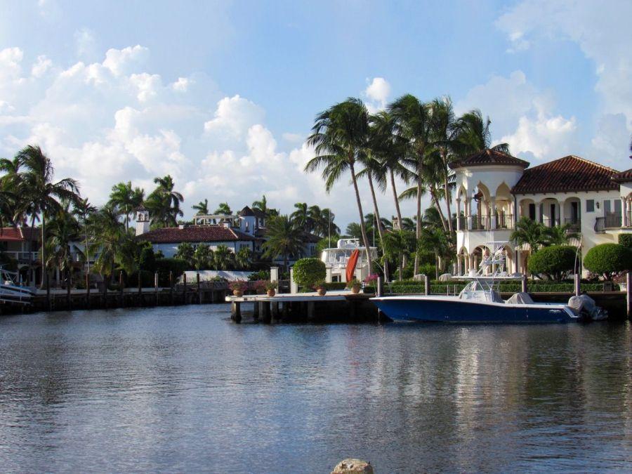 Maisons sur les rivières dans le quartier de Las Olas à Fort Lauderdale en Floride