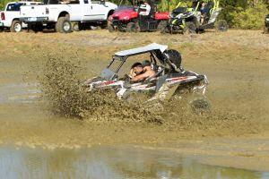 Trucks Gone Wild au Redneck Mud Park de Punta Gorda