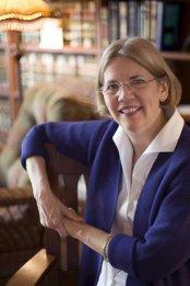Elizabeth Warren candidate à la primaire démocrate pour l'élection présidentielle de 2020 aux Etats-Unis