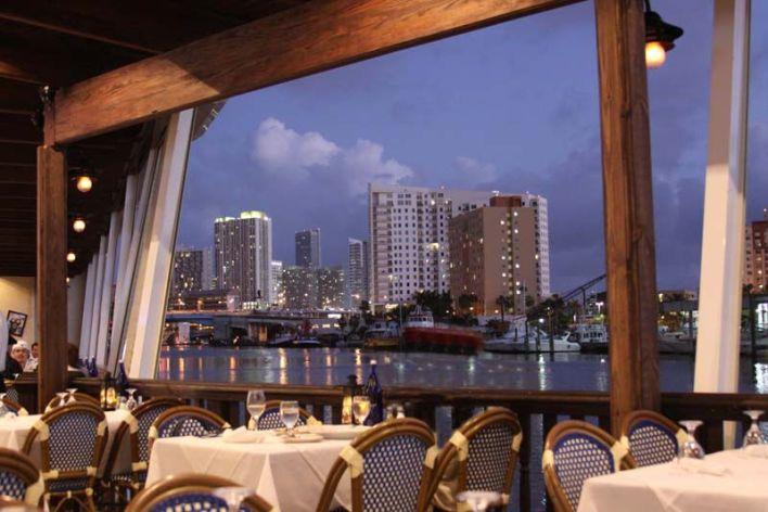 Casablanca Restaurant sur la Miami River