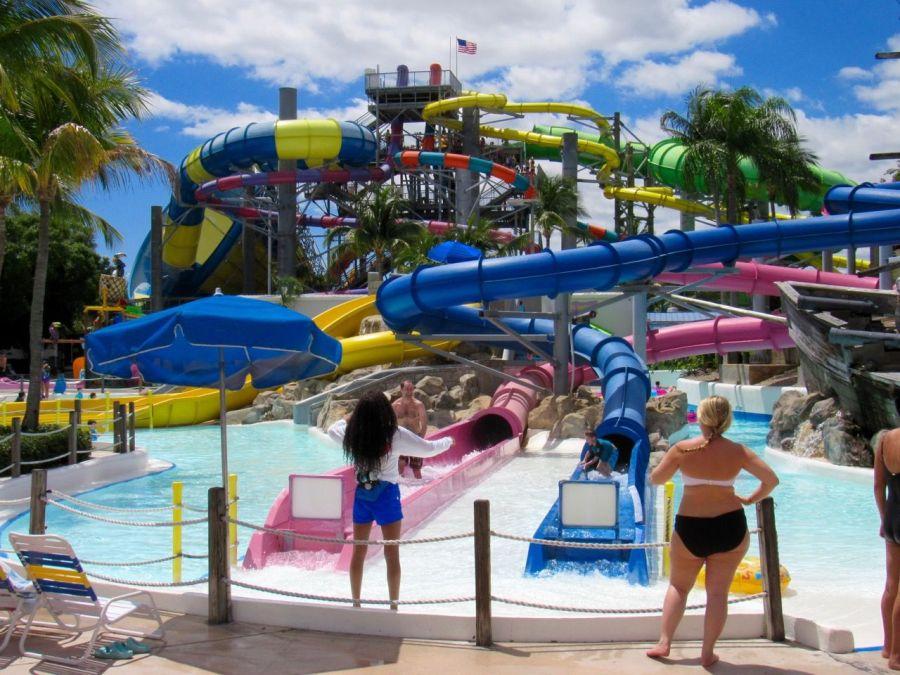 Rapids Water Park : parc d'attractions aquatiques (toboggans...) à Wet Palm Beach en Floride