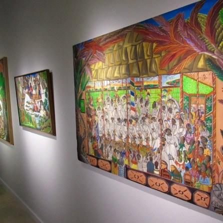 Peintures d'André Pierre lors de l'exposition Where the Oceans Meet à Miami