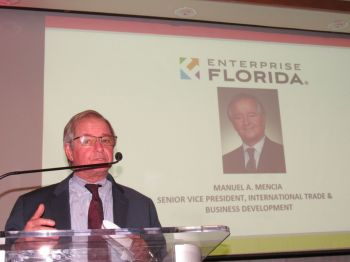 Manny Mencia (Enterprise Florida) lors du gala des 10 ans de la Chambre de commerce Canada-Floride