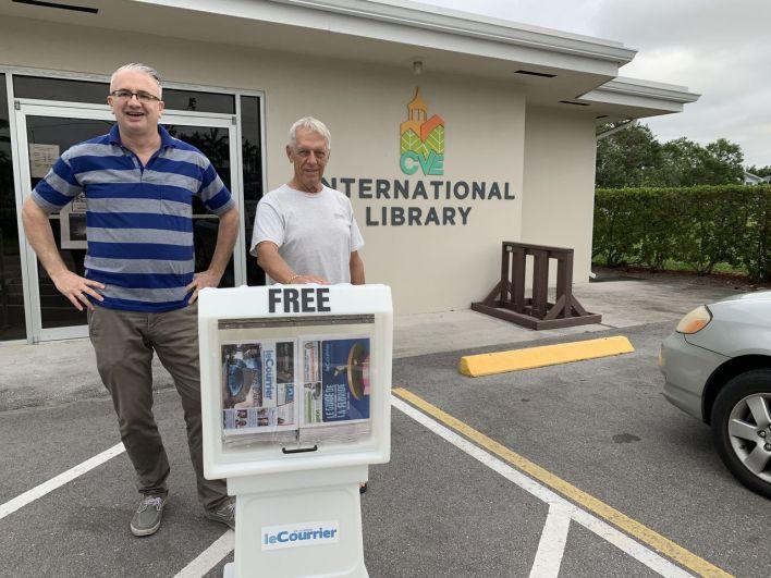 Boîte à journaux du Courrier de Floride