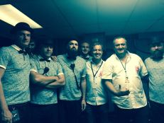 Stromae à Miami : Manuel Molina et Franck Bondrille avec le groupe de Stromae.