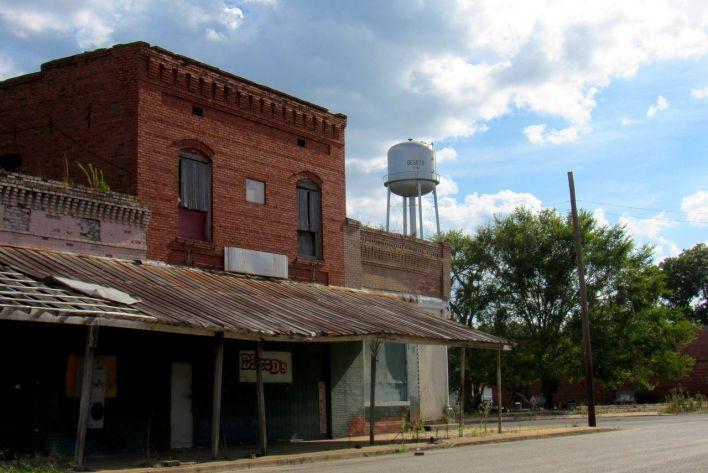 """Vieille """"main street"""" abandonnée à DeSoto en Géorgie"""