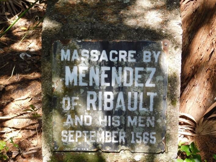 Plaque commémorant le massacre de Jean Ribault et des Français par les Espagnols près de l'embarcadère pour Fort Matanzas / St Augustine / Floride