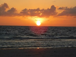 Coucher de soleil sur Honeymoon Island, Floride