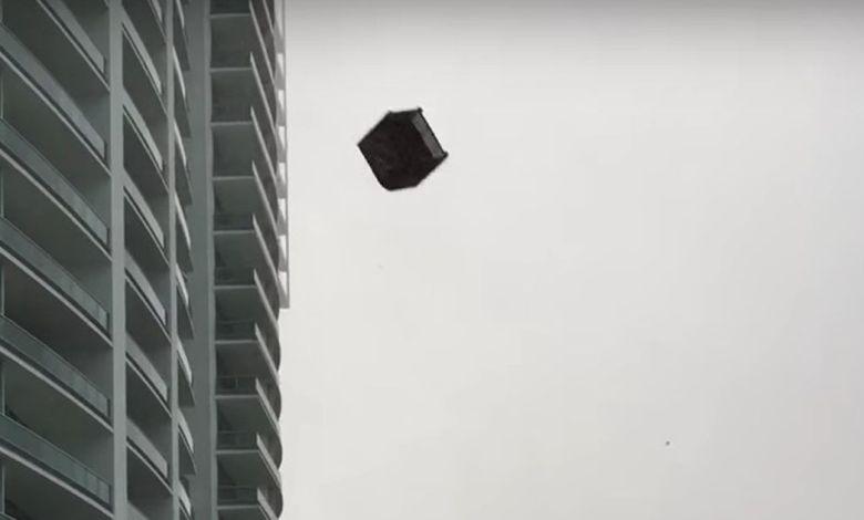 Pluie de meubles à Miami durant une tempête en Floride