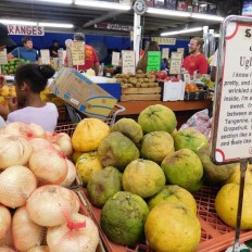 """Fruits et légumes au magasin """"Robert is Here"""" dans le Redland de Homestead (près de Miami en Floride)"""