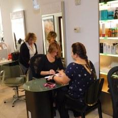 Manucure au French Hair Studio de Miami-Brickell.