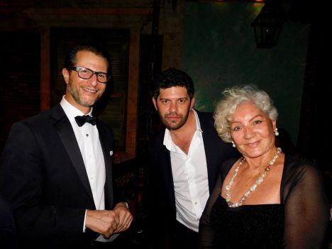 Gary Birnberg (pdt FACC Miami), Me Jason Weber (Xander Law Group) et Anaïde Govaert (pdte Amis de la Culture Française) au gala de la FACC Miami