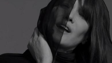 Photo of Carla Bruni reprend des chansons anglophones (en version muette)
