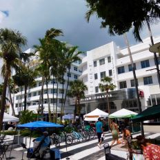 Lincole-Theater-Lincoln-Road-art-deco-quartier-district-visits-guidees-South-Beach-Miami-Beach-4800