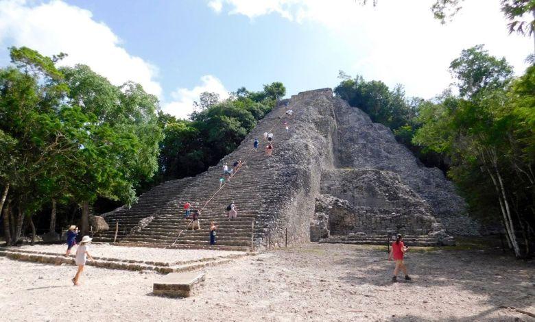 La Pyramide Nohoch Mul, dans les ruines de la cité maya de Cobá au Mexique.