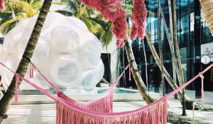 Expo pink Beasts au Design District
