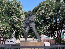 Une statue d'Elvis Presley sur Beale Street à Memphis