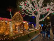 Decorations-de-Noel-Pompano-Beach-en-Floride-5893