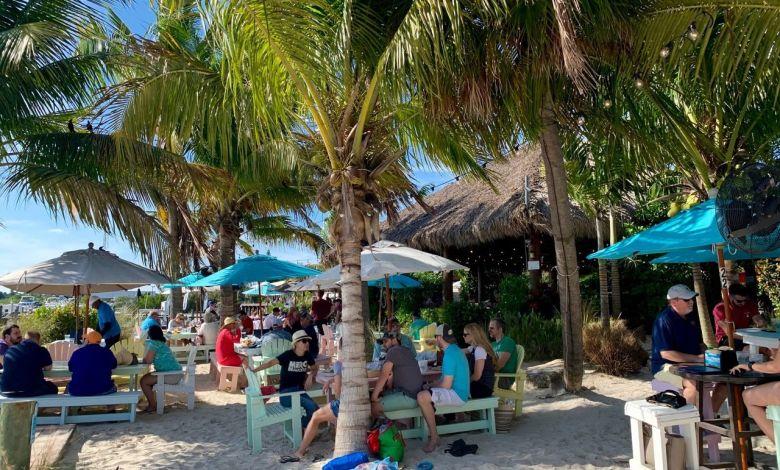 Photo d'archive : un bar à St Petersburg en Floride