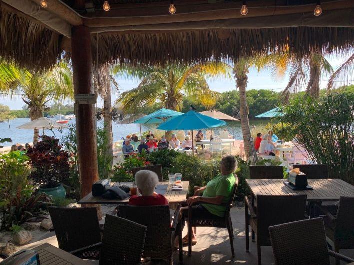 The Gateway, le tiki bar près de Weedon Island à St Petersburg en Floride