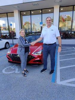 Erich Chelly, au garage Hyundai/Genesis de Deerfield Beach en Floride