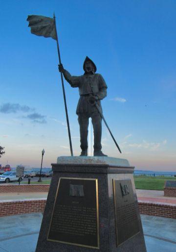 Statue de Tristan de Luna sur le port à Palafox Street à Pensacola