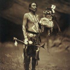 Un navajo dansant. The Yebichai.