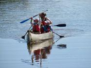 Canoe sur le canal à Flamingo